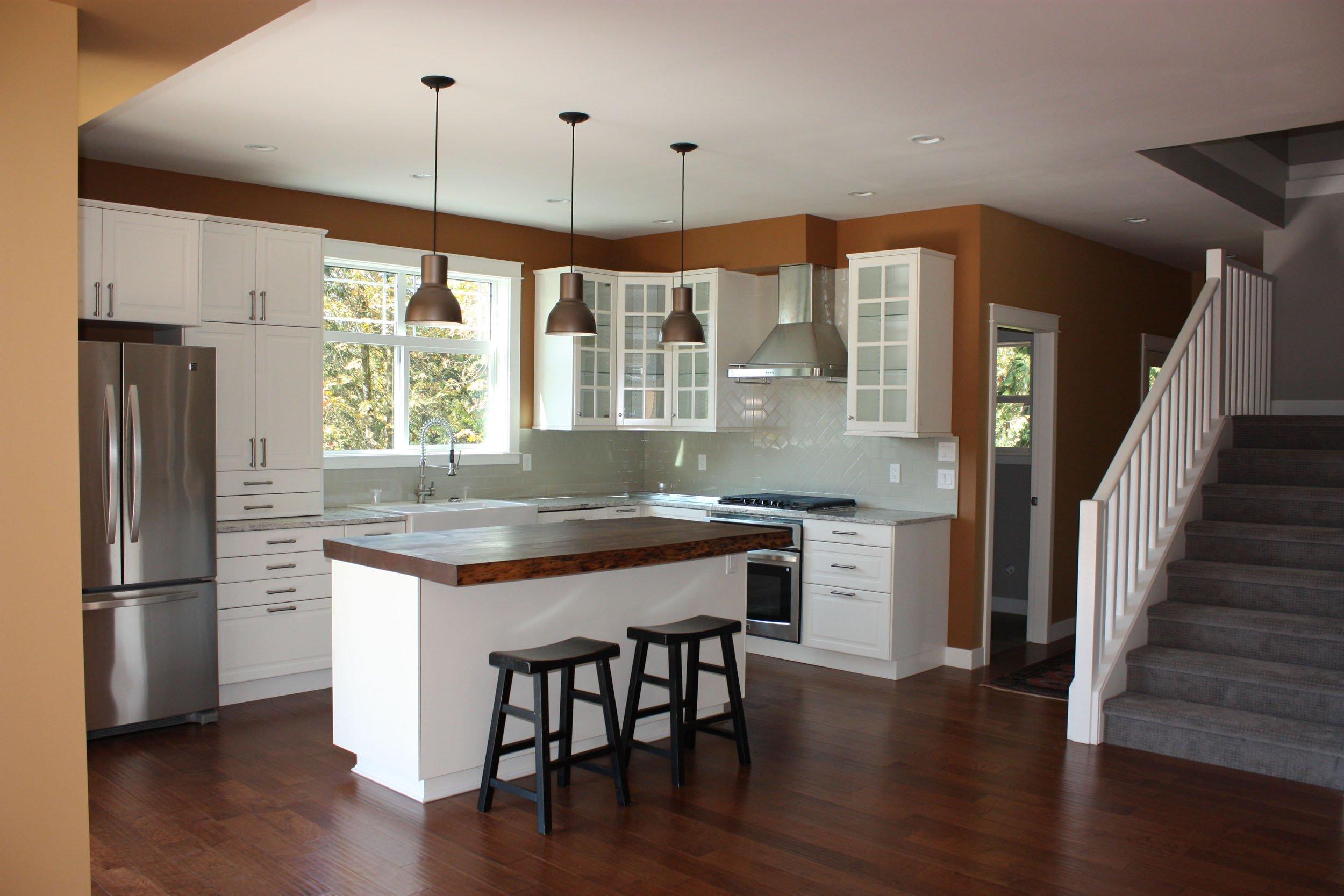 Craftsman Home - Tina Moizer - Custom Closets and Cabinets Hunter Douglas Blinds