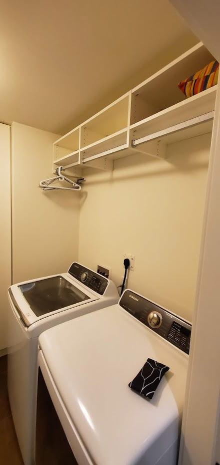 Laundry and Closet Lake Cowichan